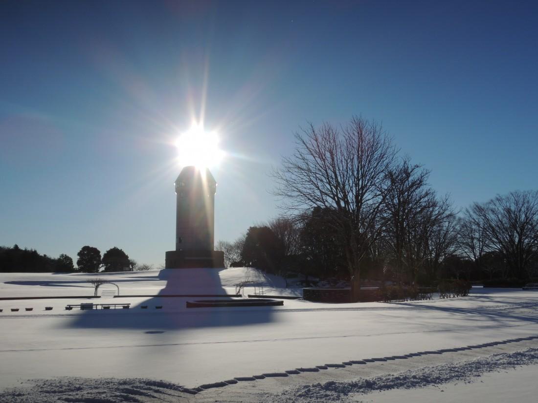 【冬】雪景色とサンサンタワー