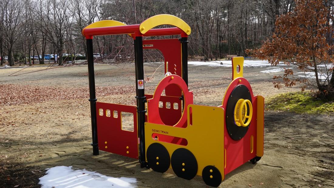 NEW! 【ままごとトレイン】 対象年齢3~6歳 みんなの夢を乗せて出発進行!汽車をモチーフとした複合遊具です。