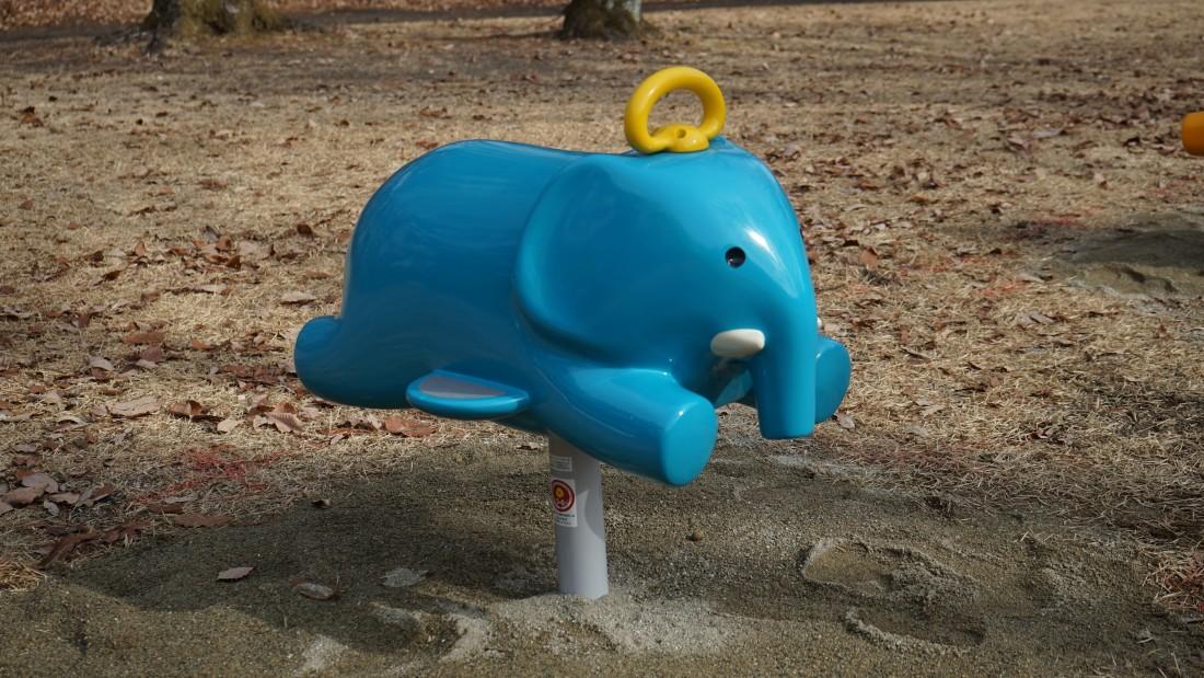 NEW! 【リトルポップ ゾウ】 対象年齢3~6歳 1人乗り 前後にやさしく揺れるリンクという種類の遊具です。