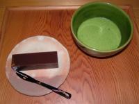 創業天明七年 綿半の水羊羹と本格的な御抹茶のセット。この他にも、水羊羹と煎茶のセット(幸の湖セット)や一口塩羊羹のセットもございます