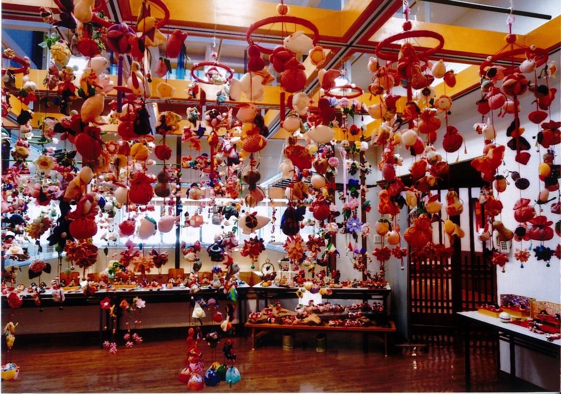 「桃の節句 つるし雛飾り」を開催